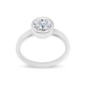 Liquid light single stone ring - White